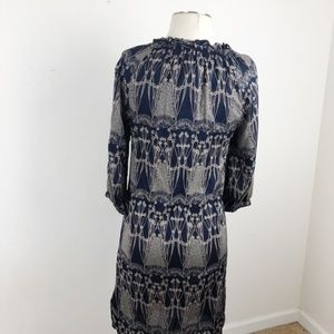 Banana Republic Dresses - Banana Republic lightweight dress Size 2 Petite